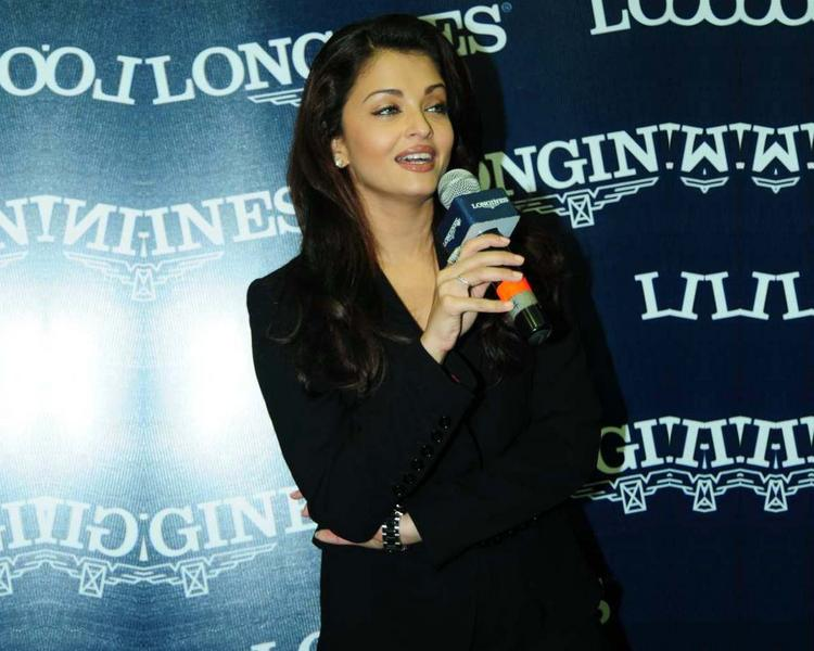 Beauty Queen Aishwarya Rai Photo