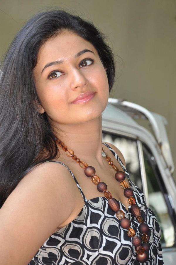 Poonam Bajwa Close Up Pic