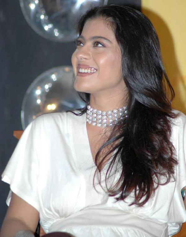 Kajol Cute Smile Gorgeous Pic