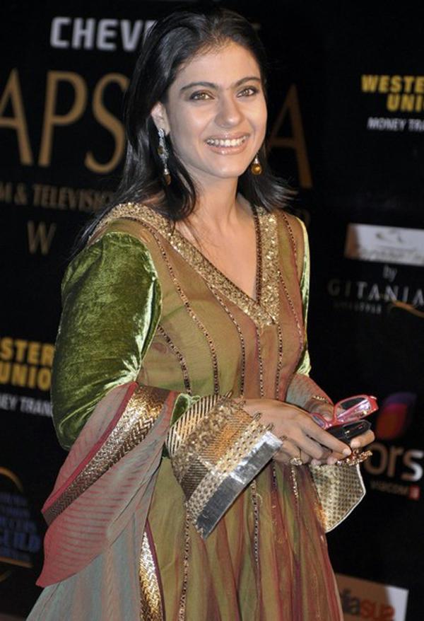 Kajol Devgan at Apsara Awards 2010