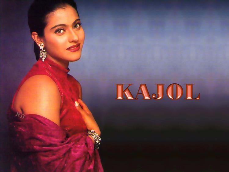 Kajol Devgan Sexy Beauty Look Wallpaper