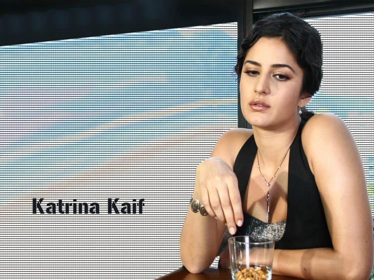 Katrina Kaif Innocent Look Wallpaper