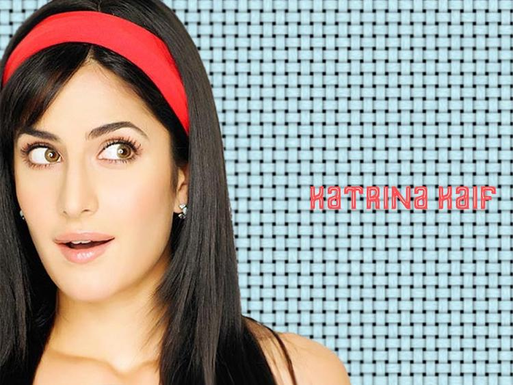 Katrina Kaif Latest Cute Face Look Wallpaper