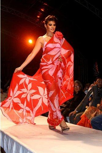Jacqueline Fernandez Walk Pic In Saree