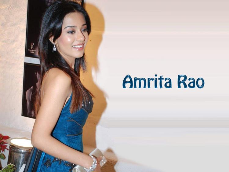 Amrita Rao Glamour Face Sweet Wallpaper