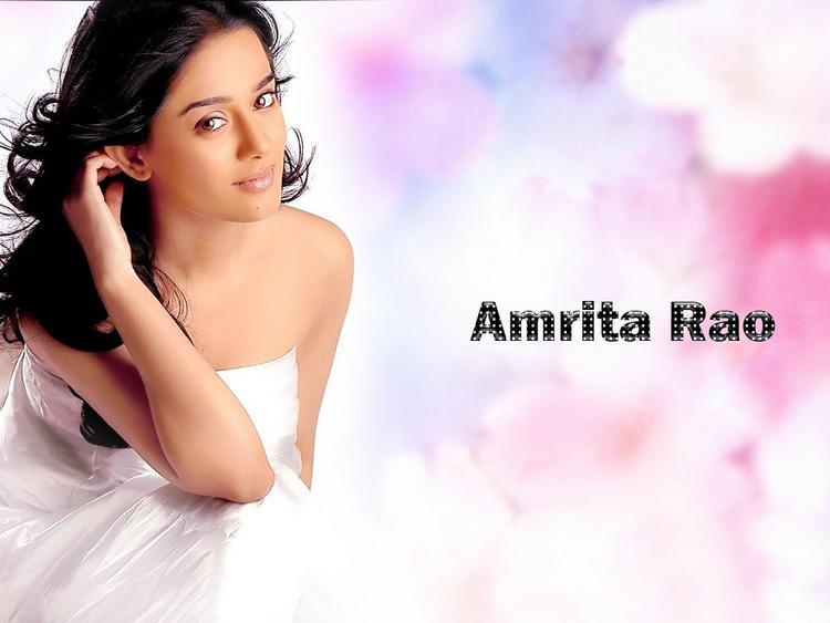 Amrita Rao Hot Sizzling Wallpaper