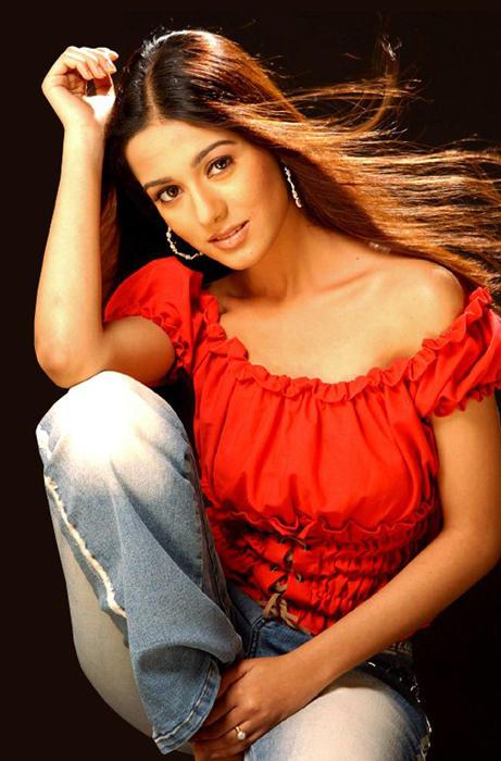 Amrita Rao Latest Gorgeous Sexy Pic
