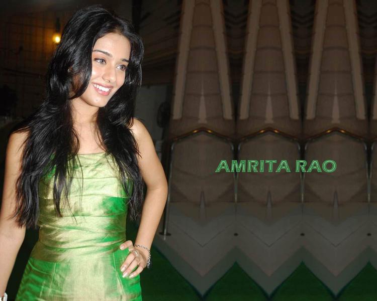 Amrita Rao Sweet Smile Gorgeous Wallpaper