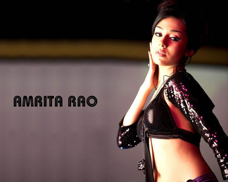 Hottie Amrita Rao Bold Wallpaper