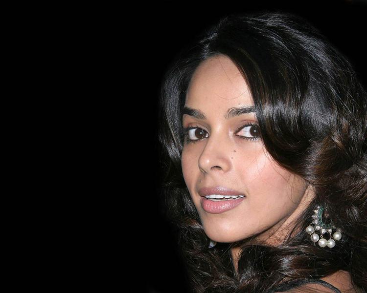 Bold Actress Mallika Sherawat Pic
