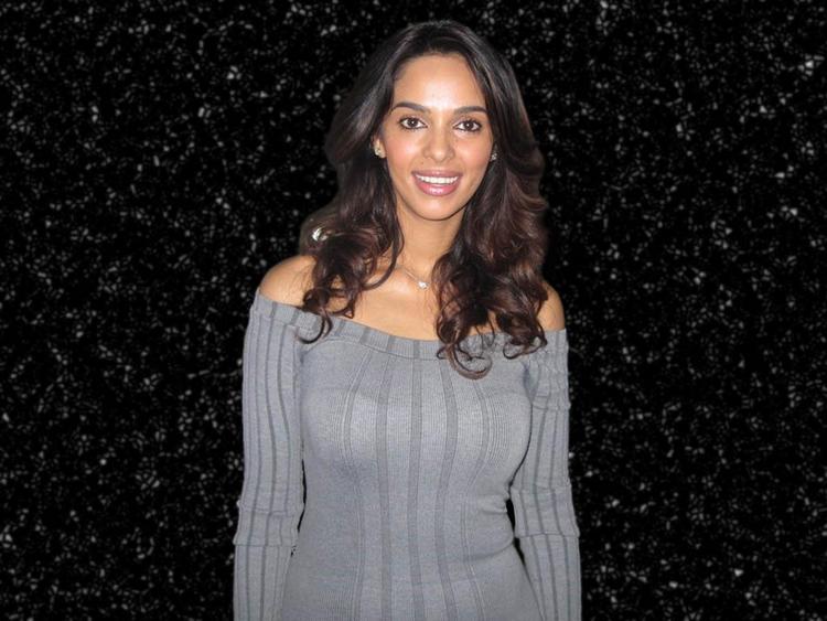 Hot Bollywood Diva Mallika Sherawat Pic