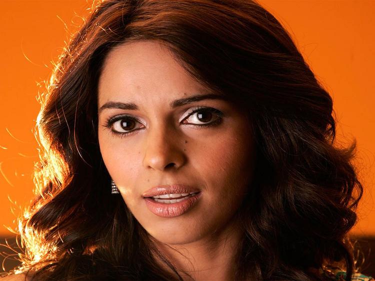 Mallika Sherawat Cute Sexy Face Still