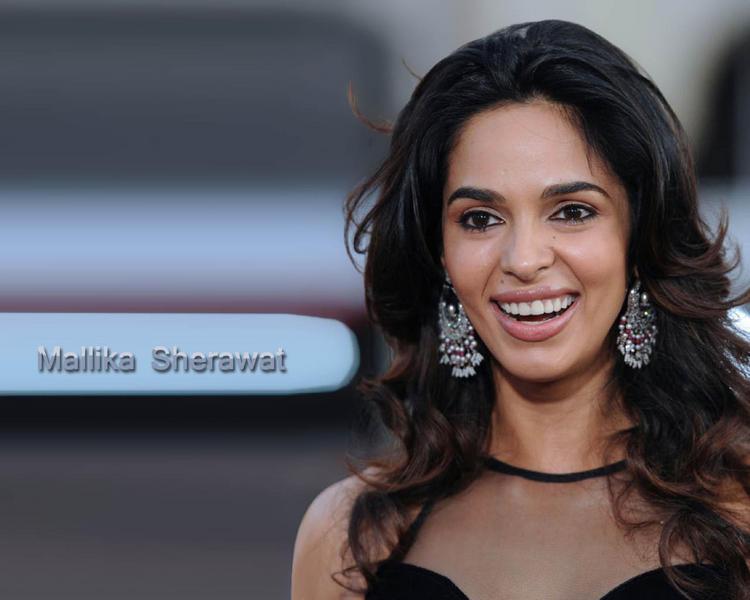 Mallika Sherawat Gorgeous Smile Pic