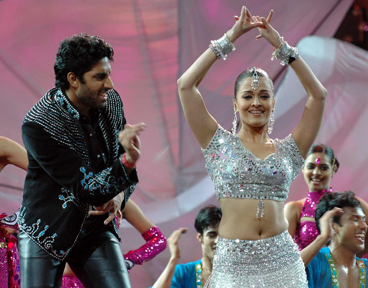 Abhishek and Aishwarya Sexy Dance Still