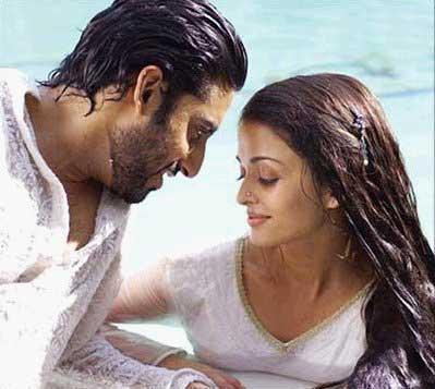 Abhishek and Aishwarya Wet Still
