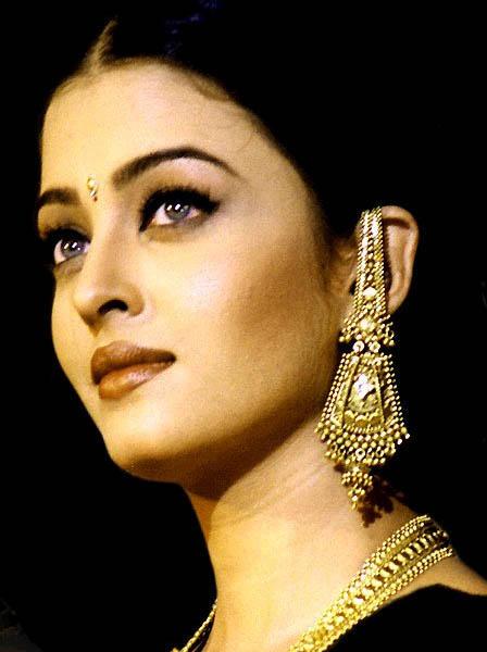 Aishwarya Rai Bachchan Beautiful Look Wallpaper