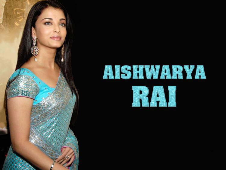 Aishwarya Rai Looking So Beautiful In Saree