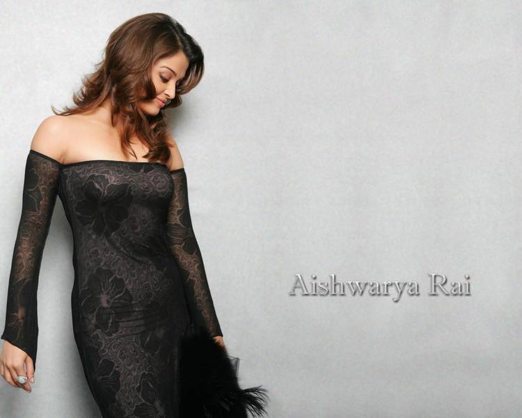 Aishwarya Rai Sexy Dressing Hot Wallpaper