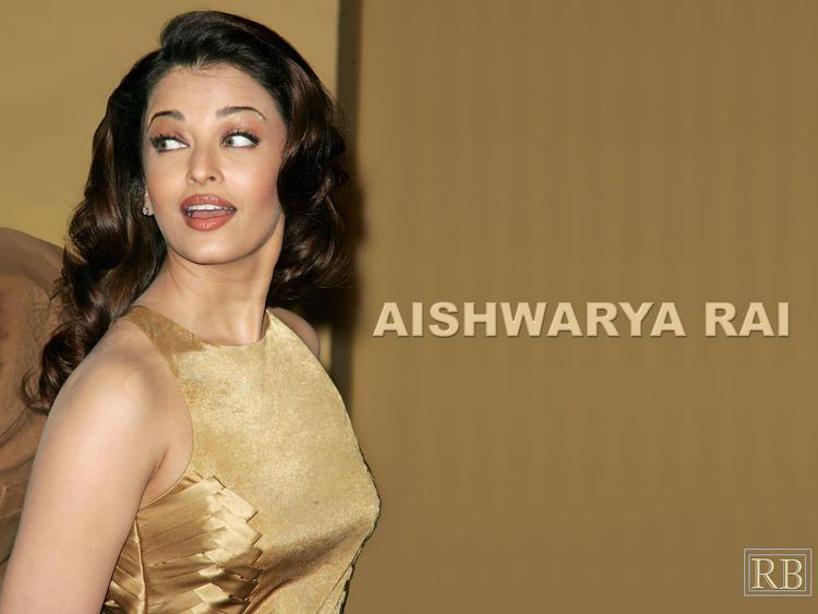 Stunning Babe Aishwarya Rai Wallpaper