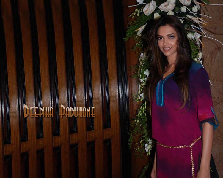 Deepika Padukone Glamour Wallpaper