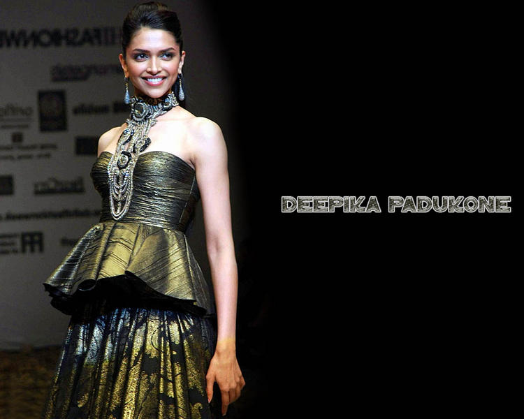 Deepika Padukone Gorgeous Wallpaper In Amazing Gown