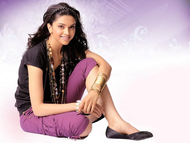 Lovely Deepika Padukone Sweet Wallpaper