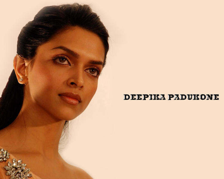 Sexy Actress Deepika Padukone Wallpaper