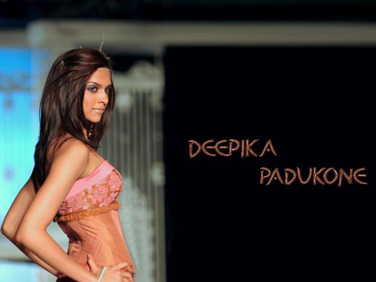 Style Icon Deepika Padukone Wallpaper