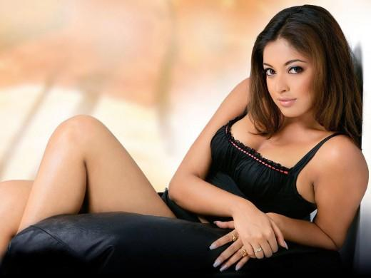 Tanushree Dutta Black Dress Picture