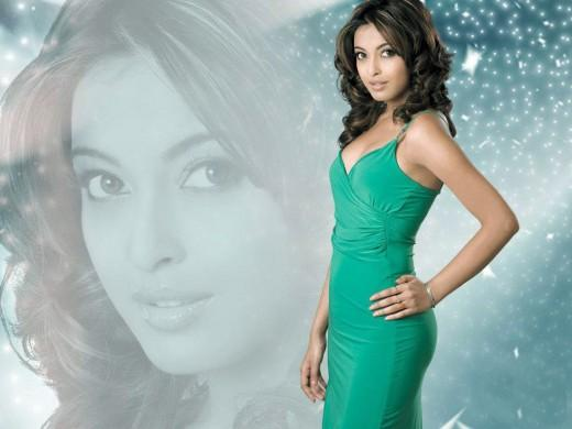 Tanushree Dutta Green Modern Dress Wallpaper