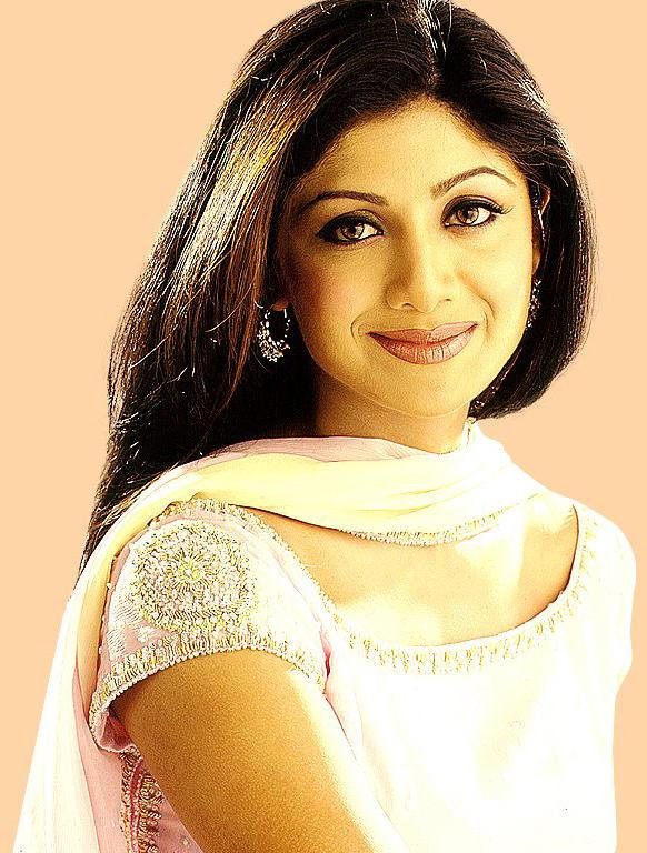 Shilpa Shetty Beautiful Smiling Face Wallpaper