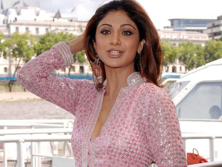 Shilpa Shetty Cute Pic In Pink Gorgeous Dress