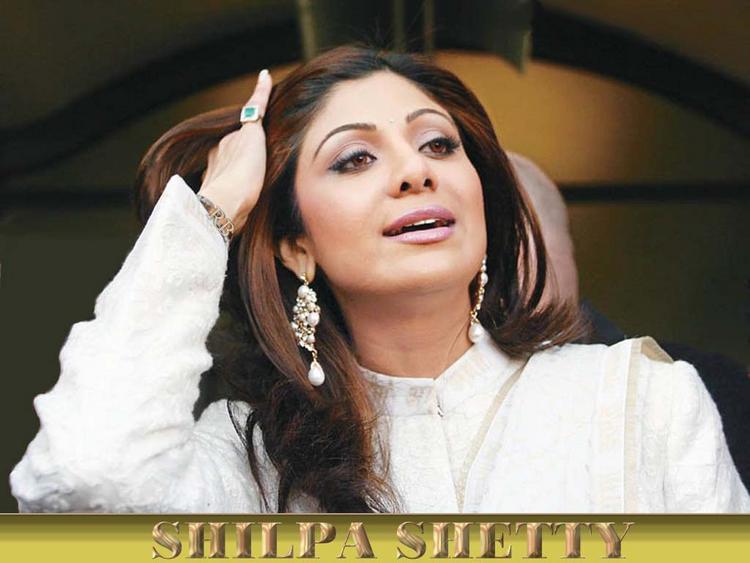 Stunning Babe Shilpa Shetty Wallpaper