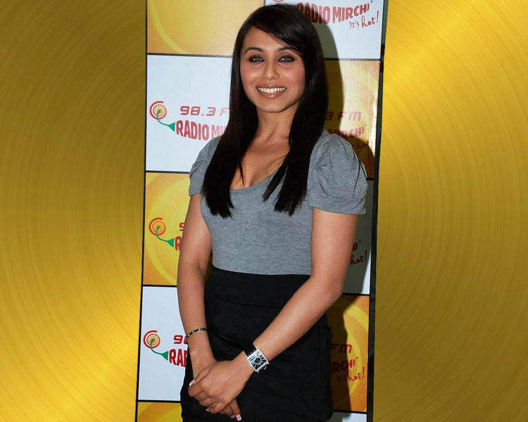 Rani Mukherjee Glamour Face Look
