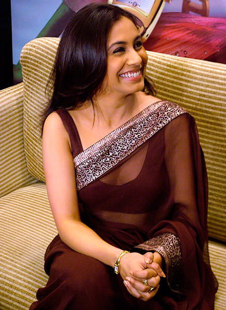 Rani Mukherjee Latest Pic In Transparent Saree