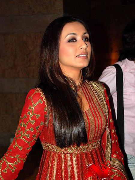 Rani Mukherjee Red Gorgeous Saree Still