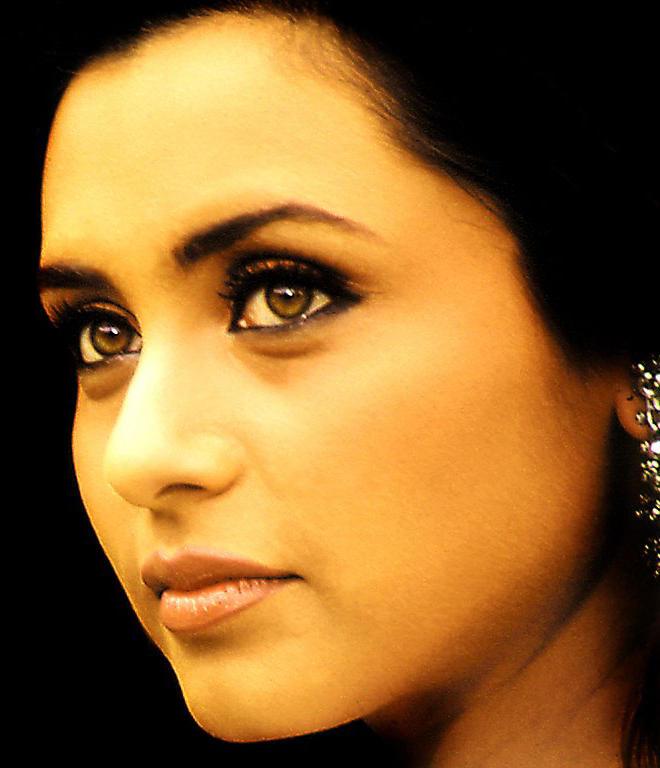 Rani Mukherjee Sexy Eyes Look Still