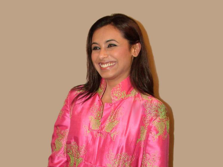 Rani Mukherjee Sexy Sweet Smile Pic