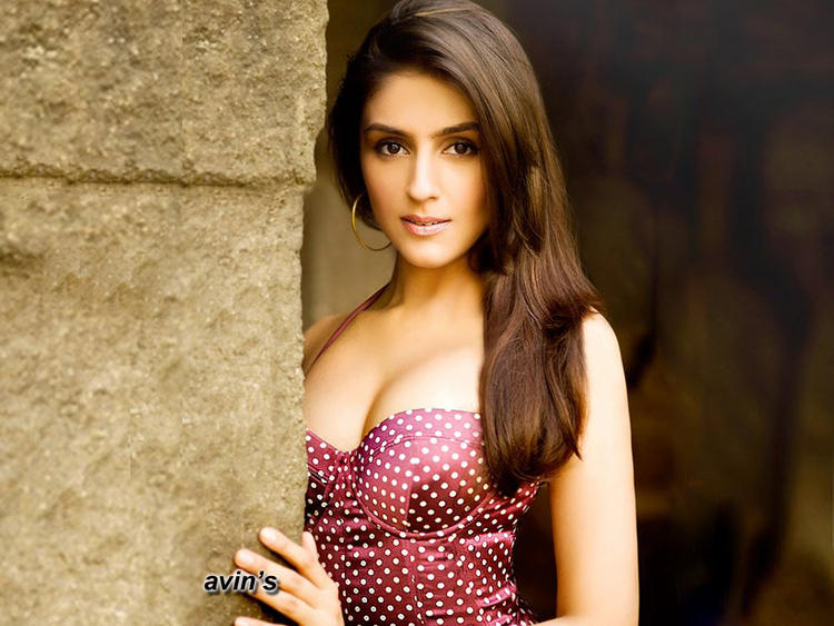 Aarti Chhabria Awesome Look Pic