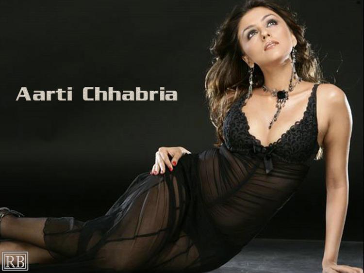 Aarti Chhabria Hot Wallpaper In Transparent Dress