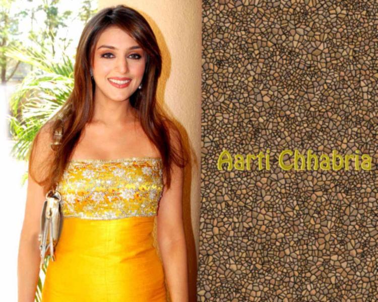 Glowing Aarti Chhabria Wallpaper