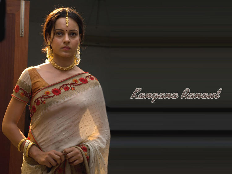 Kangana Ranaut Looking Beautiful In Saree