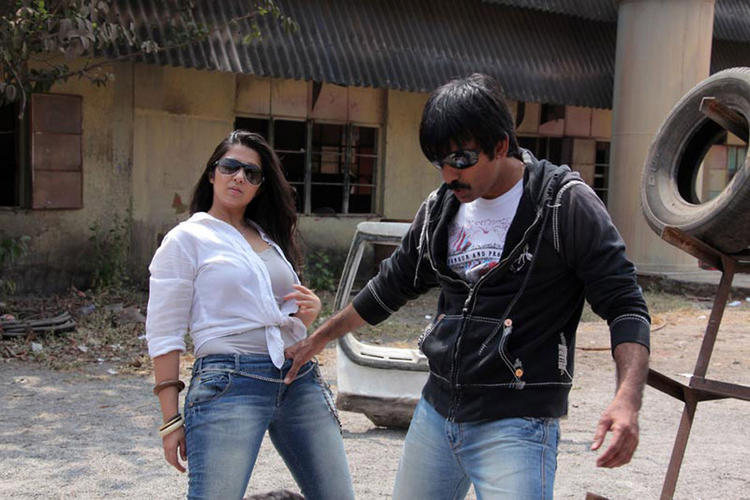 Ravi Teja and Charmy A Stiil From Dongala Muta