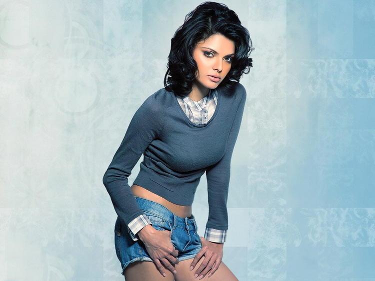 Mona Chopra Blue Jean Necker Still