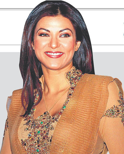 Sushmita Sen Beautiful Smile Gorgeous Pic