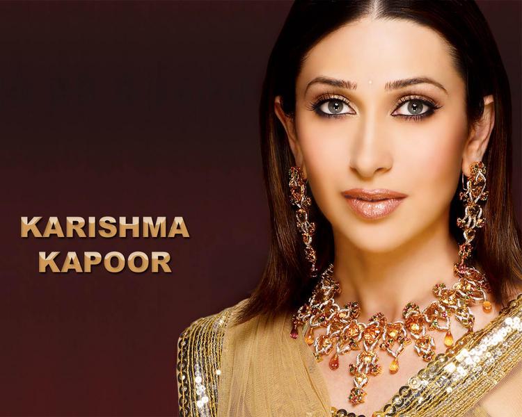 Beautiful Karishma Kapoor Sizzling Hot Face Look Wallpaper  Memsaabcom-5926