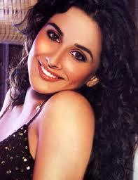Vidya Balan Attractive Look With Hot Eyes Wallpaper
