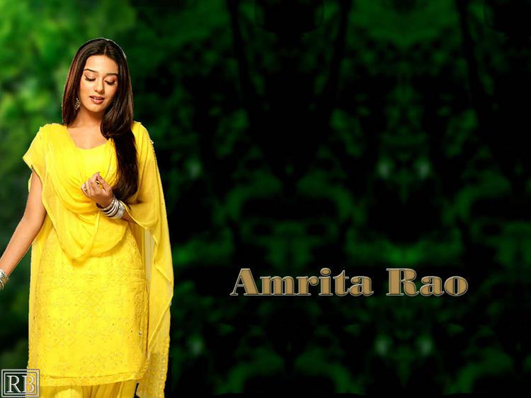 Amrita Rao Simple Look Wallpaper