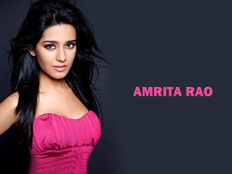 Amrita Rao Strapless Dress Glorious Wallpaper