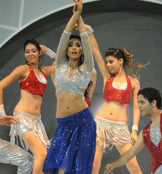 Shriya Saran Hot Performance at CCL